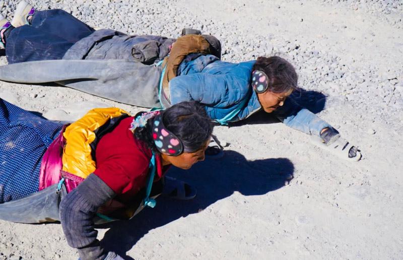 Kowtowing around Mount Kailash